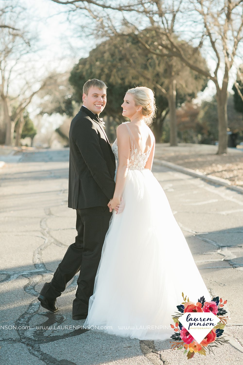 wichita-falls-texas-weddiing-photographer-the-wellingtong-two-clever-chicks-our-lady-queen-of-peace-winter-wedding-photography_4083.jpg