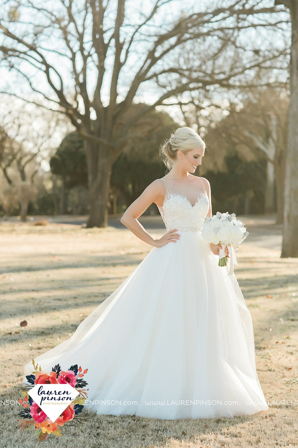 wichita-falls-texas-weddiing-photographer-the-wellingtong-two-clever-chicks-our-lady-queen-of-peace-winter-wedding-photography_4085.jpg