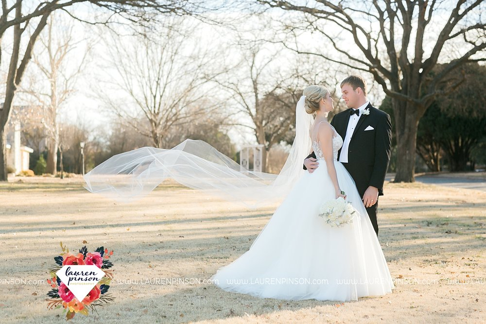 wichita-falls-texas-weddiing-photographer-the-wellingtong-two-clever-chicks-our-lady-queen-of-peace-winter-wedding-photography_4091.jpg