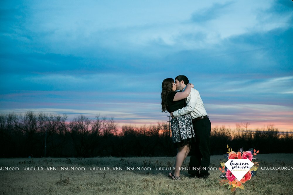 wichita-falls-texas-photographer-burkburnett-engagement-session-wichita-mountains-police-officer_4184.jpg
