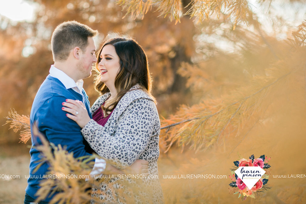 wichita-falls-texas-engagement-photography-downtown-alley-cat-wichita-theatre-christmas-lights11.jpg