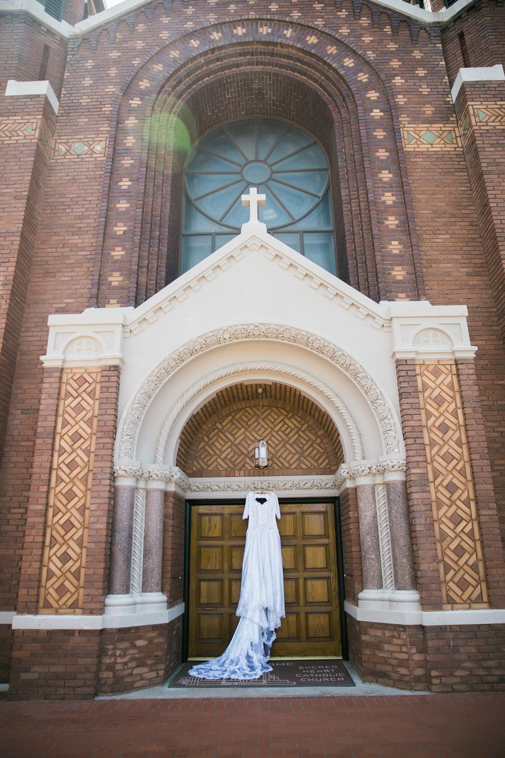 sacred-heart-catholic-church-wichita-falls-wedding-photographer-006.jpg