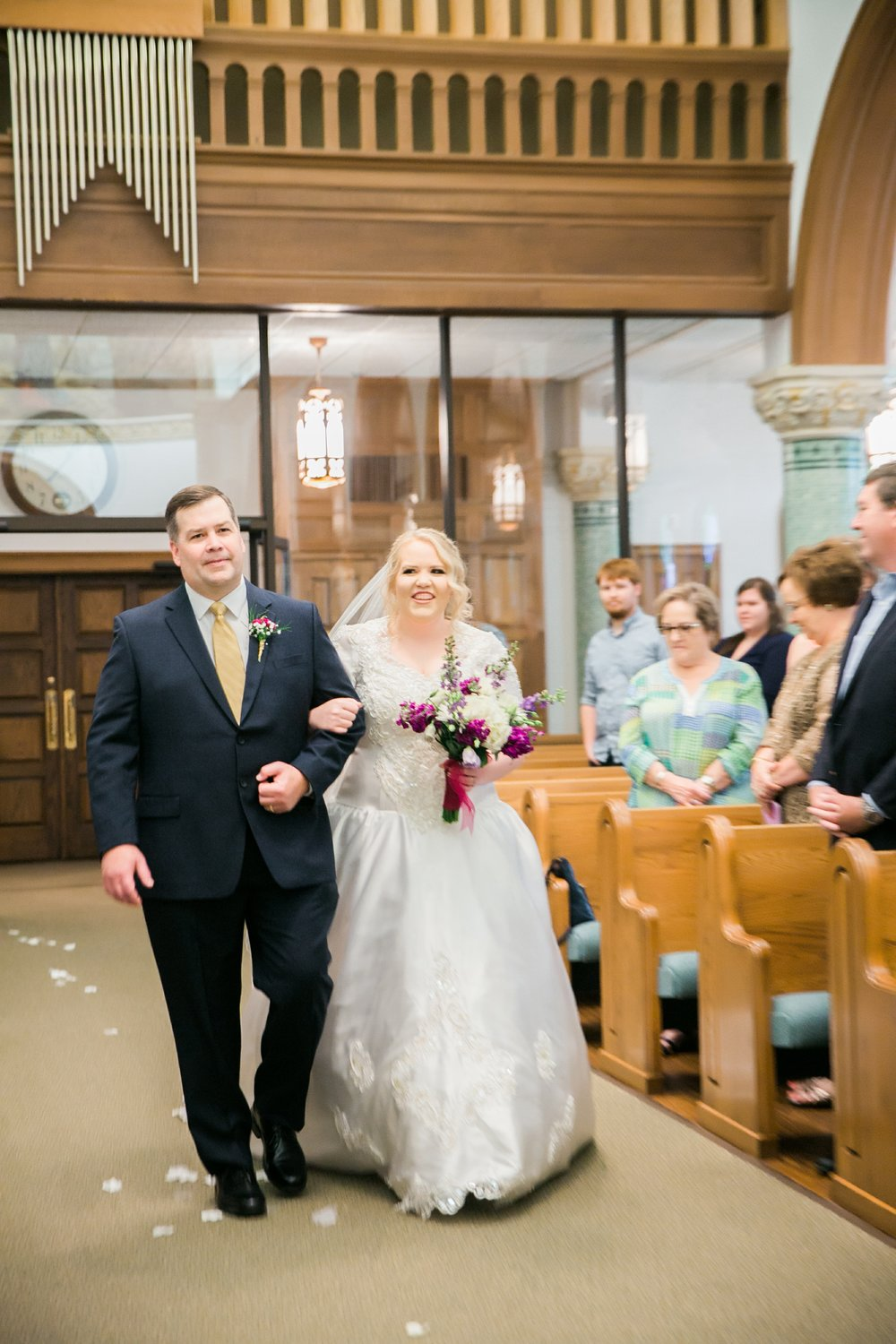 sacred-heart-catholic-church-wichita-falls-wedding-photographer-020.jpg