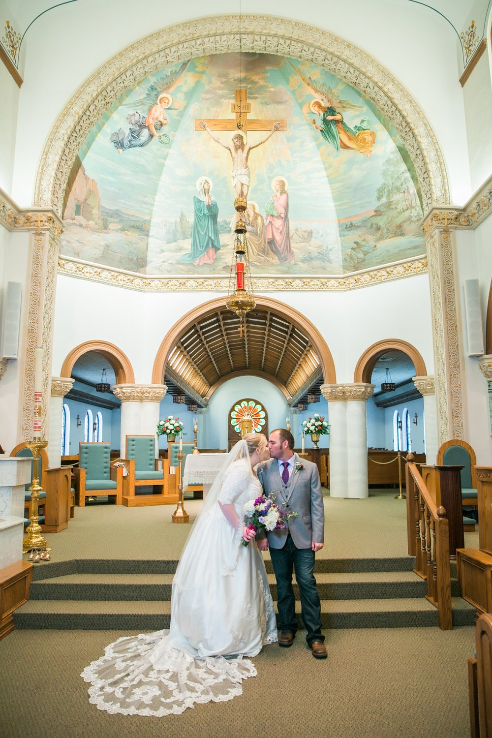 sacred-heart-catholic-church-wichita-falls-wedding-photographer-028.jpg
