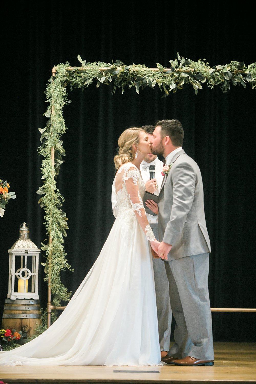 Roberson-Wedding-The-Forum-Lauren-Pinson-Wedding-Photography-Wichita-Falls-Texas-077.jpg