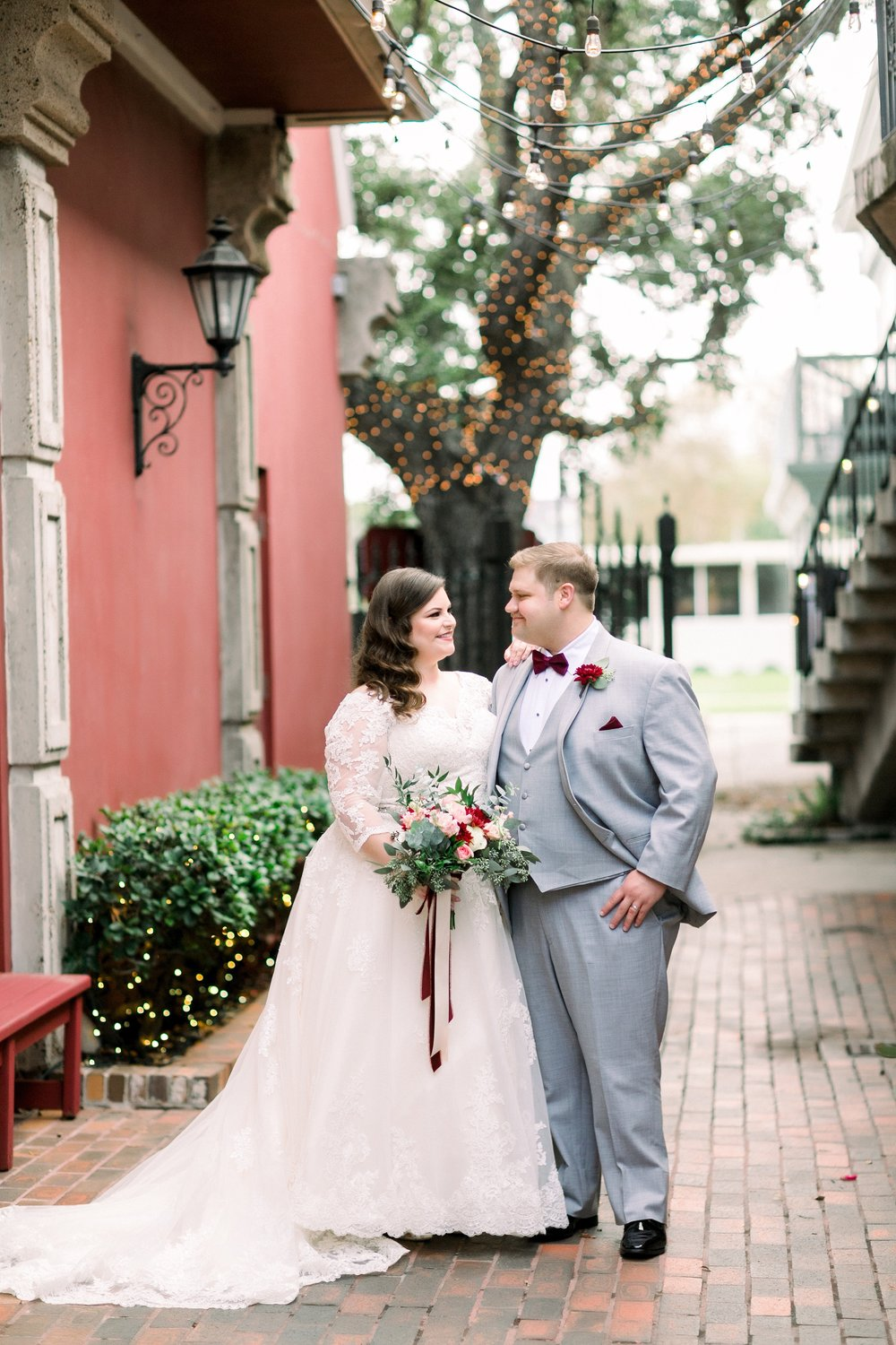 gaslight-at-courtyard-square-corpus-christi-wedding-omni-hotel-fall-winter-wedding-texas-wedding-photographer-lauren-pinson-0037.jpg