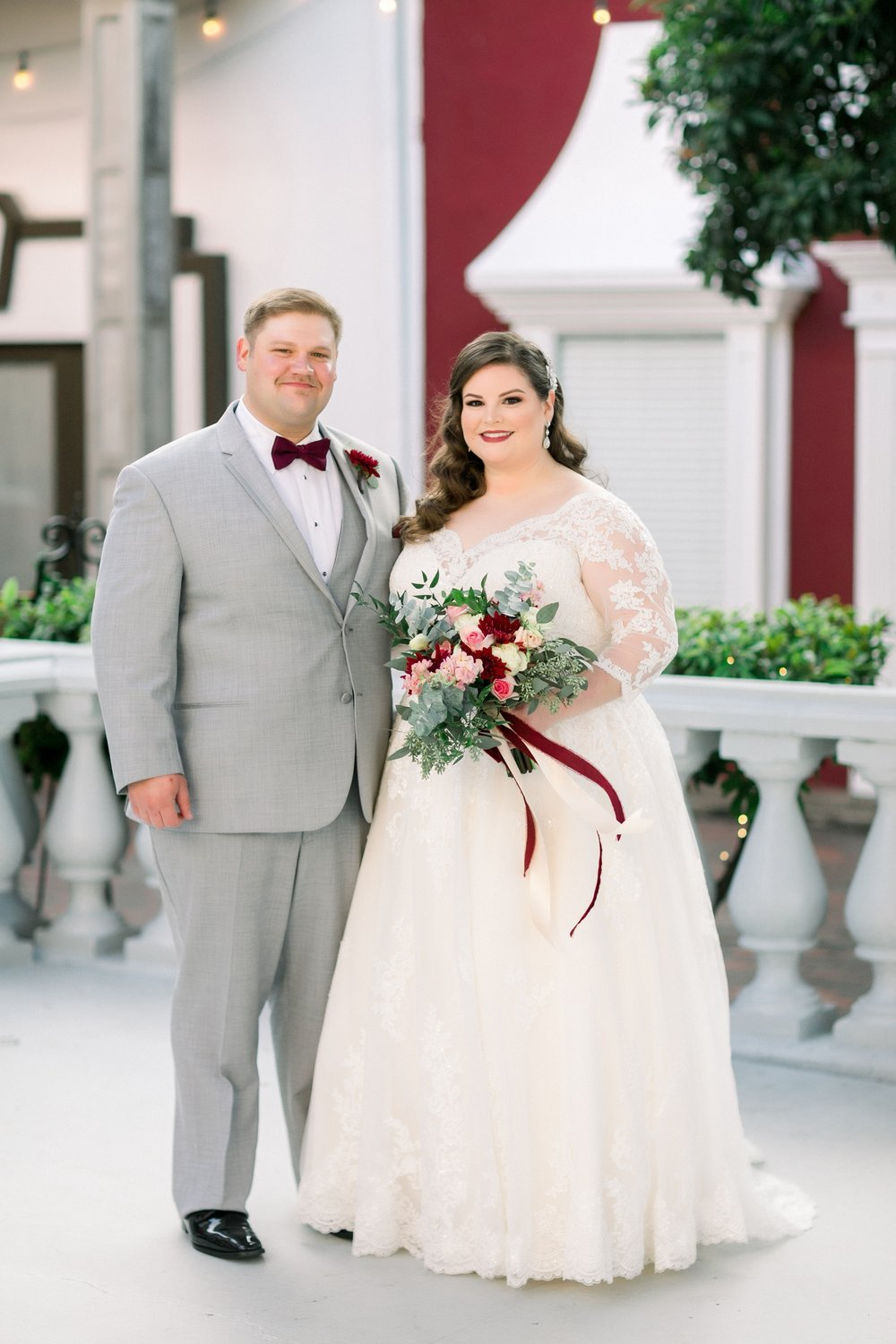 gaslight-at-courtyard-square-corpus-christi-wedding-omni-hotel-fall-winter-wedding-texas-wedding-photographer-lauren-pinson-0043.jpg