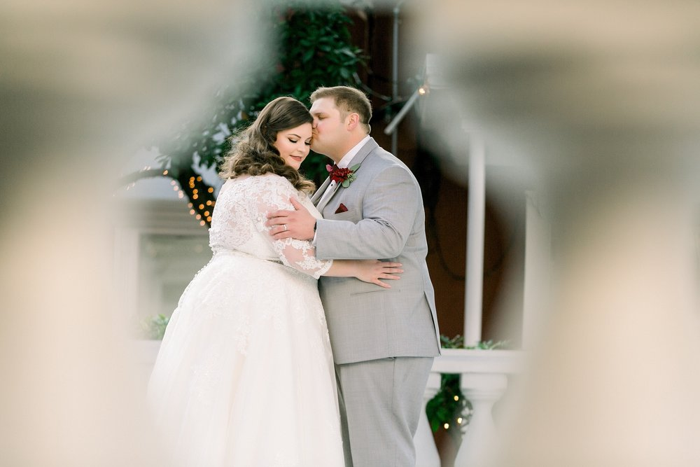 gaslight-at-courtyard-square-corpus-christi-wedding-omni-hotel-fall-winter-wedding-texas-wedding-photographer-lauren-pinson-0047.jpg