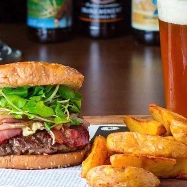 Comenzamos el miércoles con mucho ánimo! 🤘🏻 te recordamos que nuestro local estará abierto desde las 6pm 😎 😎 #Loombar  #Beer #craftbeer #sport #sportbar #ufc #fight #bellavista #bar #burgers #fingerfood #nba #loom #cervezaloom #chile #instasantiago  #nfl #Santiago #hamburguesa #cerveza #Loombar