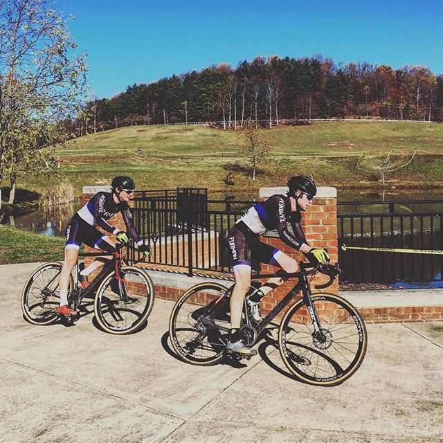 A great weekend for @furmancycling at the first collegiate cross race of the season at King University! The team walked away 1,2 in the men's A field (@nate.morse (1), @chough95 (2)) and with a third place finish in the women's A race (@daniellec67); Can't wait to see what the rest of the season holds for us! Huge thanks to our sponsors @tandem_cc , @spare.cycling and @sunshinecycle for their continual support!
