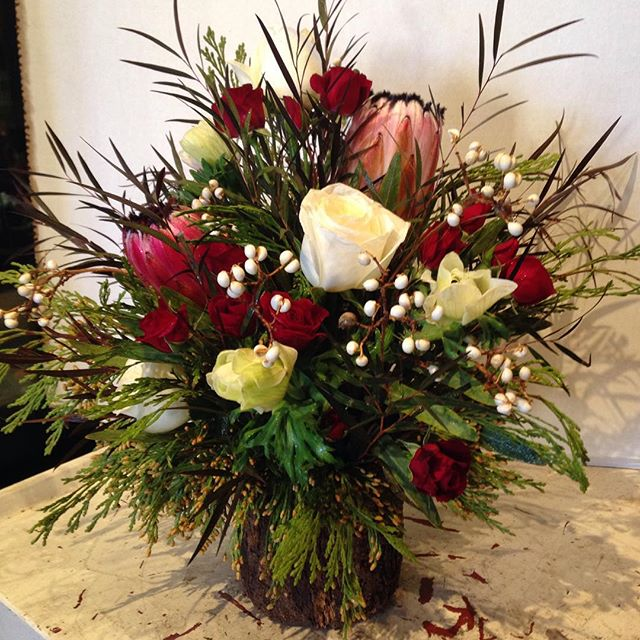Festive & Funky #grantaveflorist #florist #holiday #arrangement #follow #share #like