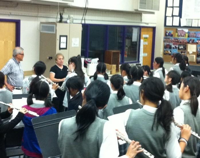 コロラド州立大学オペラ科教授秦先生と Pamさんのフルート指導を受ける生徒たち
