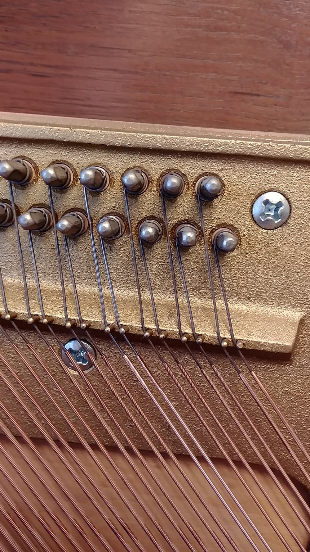 Here a replacement was done on a bass string bi-chord.