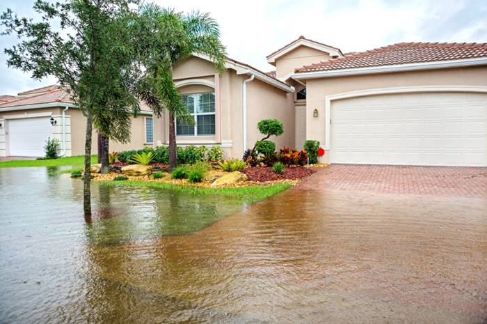 There are steps you can take to keep floodwaters out of your home. (Photo: iStock)