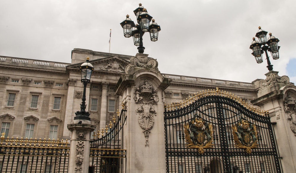 Buckingham Plalace Gates.jpg