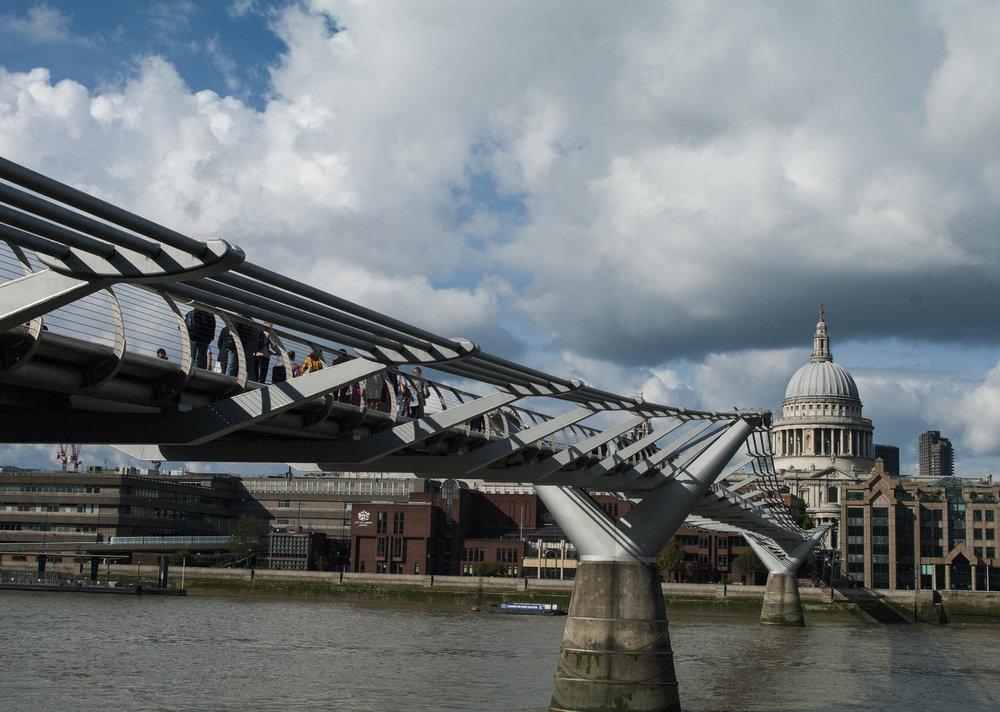 Millenium Bridge 1.jpg