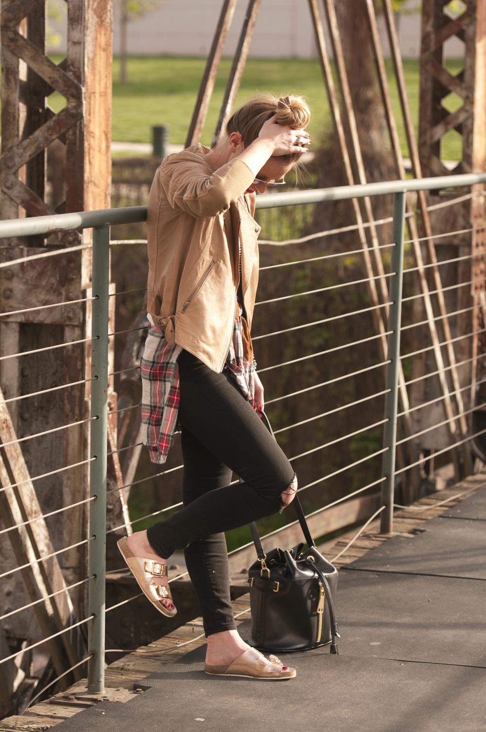 """<img src=""""Black Denim Leather Jacket.jpg"""" alt=""""Black Denim Blogger Outfit"""" />"""