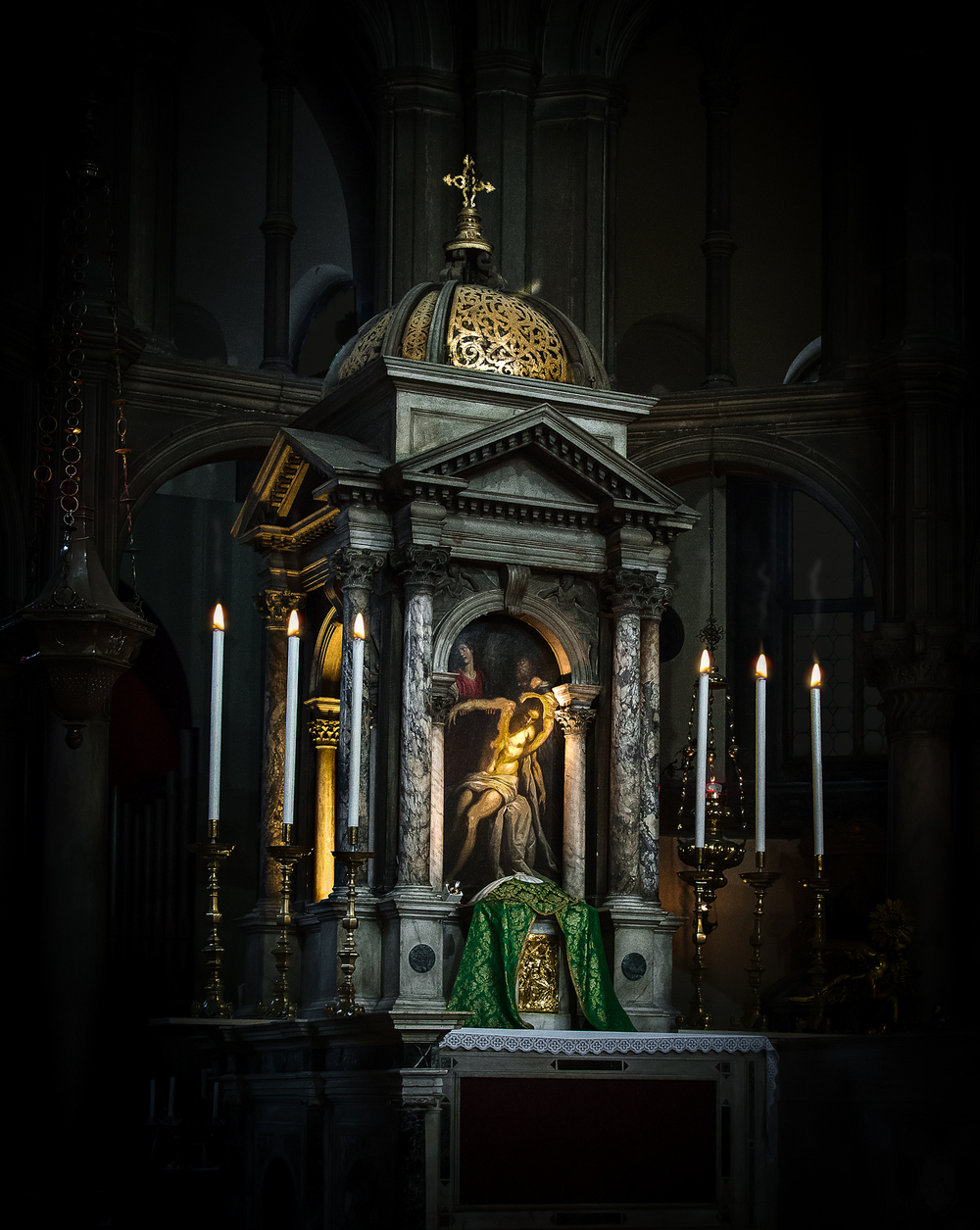 The beautiful altar in the church of Saint Zachariah
