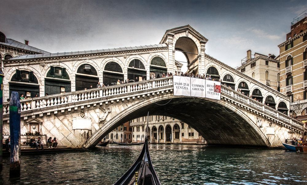 The iconic Rialto Bridge