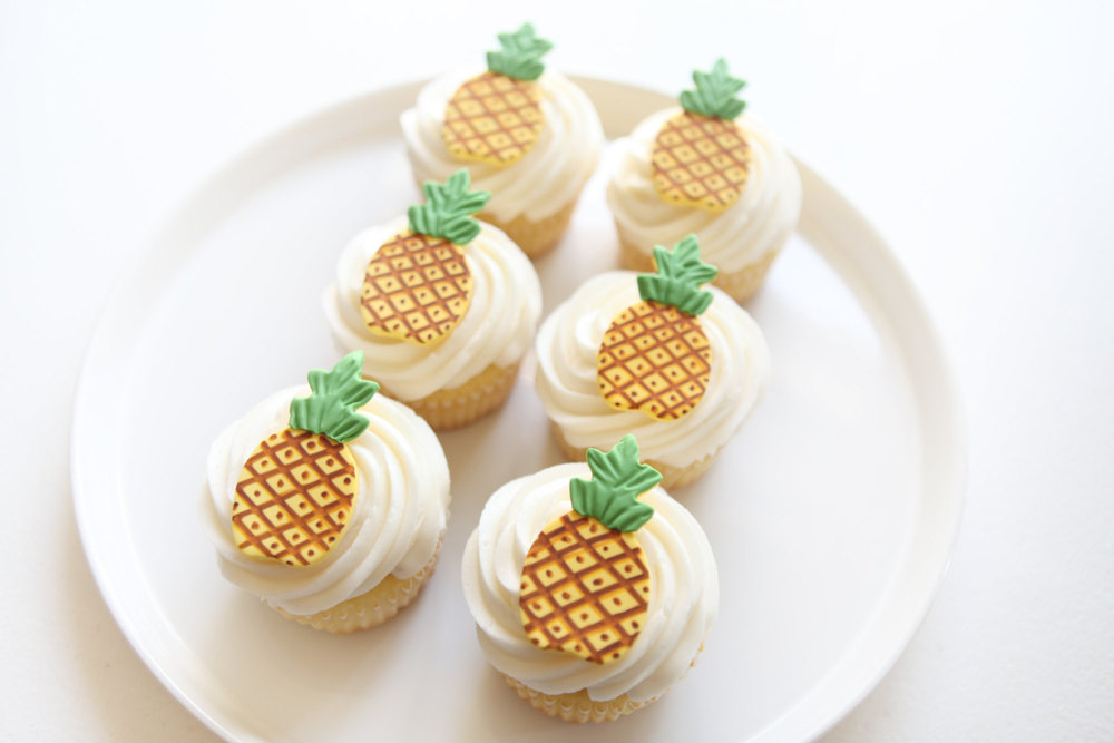 CUPCAKE TOPPERS  FROM  MILKANDHONEYCAKERY