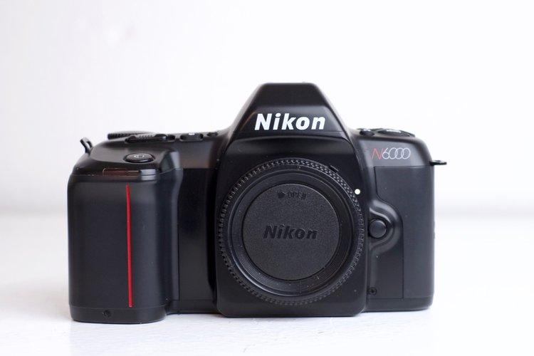 Nikon N6000 35mm Film Slr Camera With Body Cap F Stop Cameras