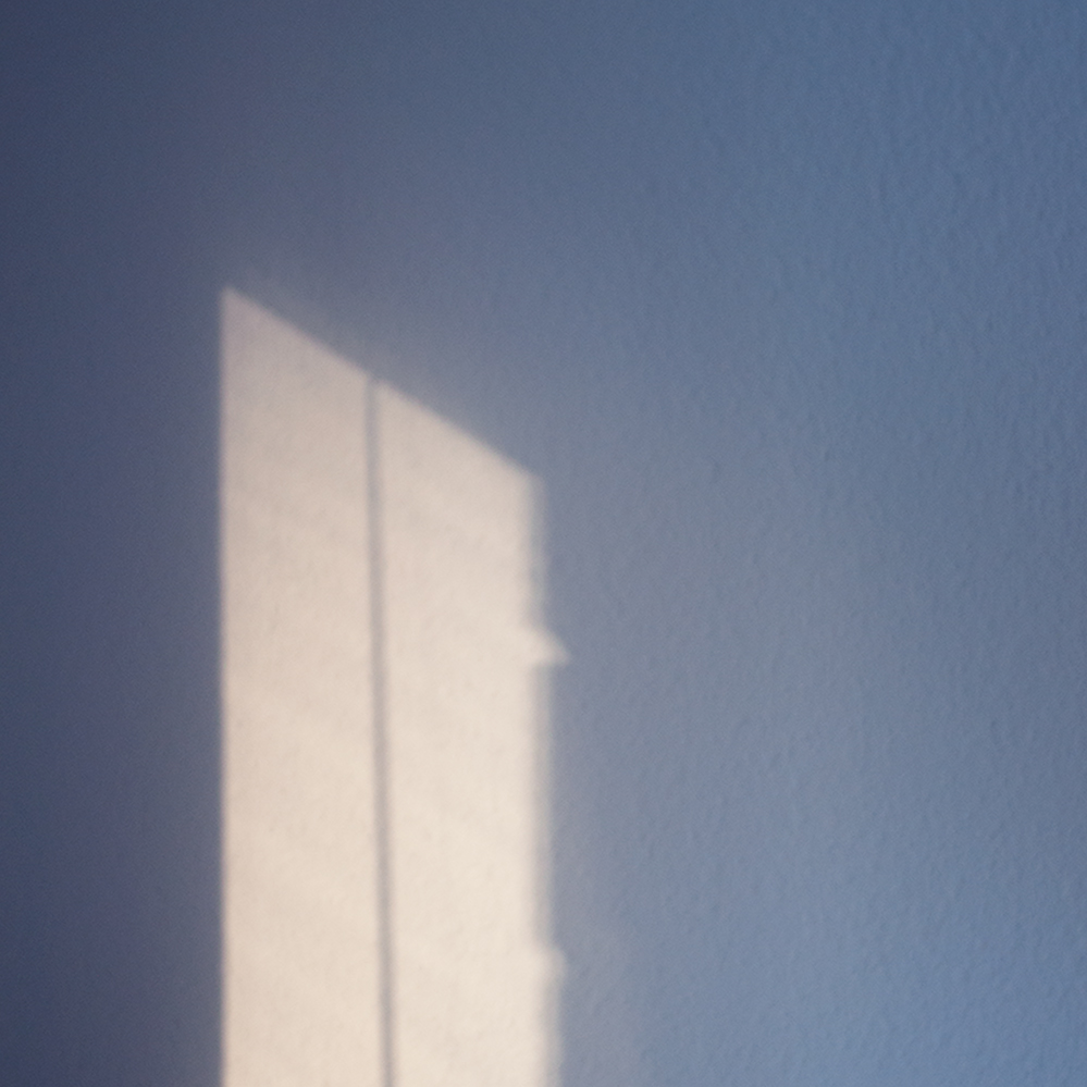 blue-wall-light-(point).jpg