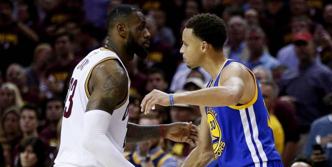 PHOTO TIRÉE DE TWITTER LeBron James et Steph Curry
