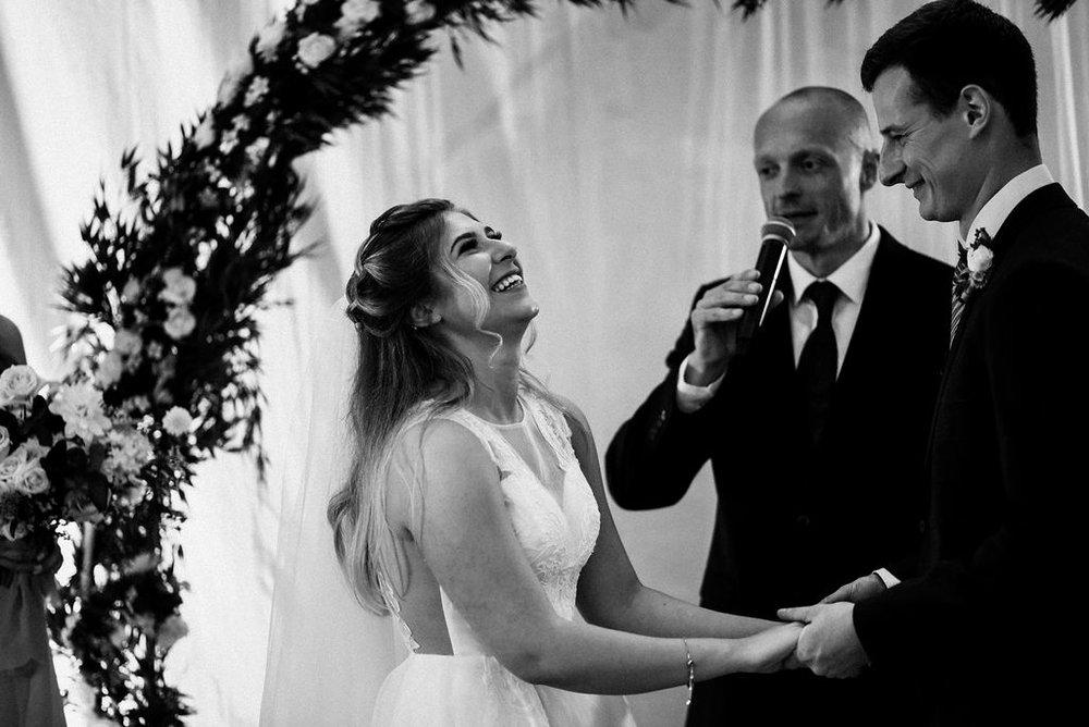 lina-alex-torontoislandwedding-209.jpg