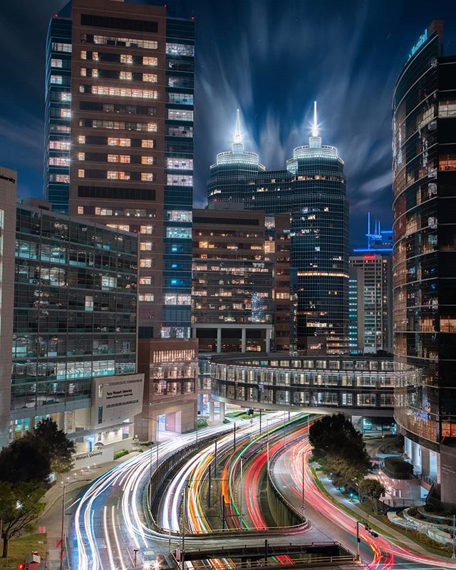 Long exposure of the Texas Medical Center ⚕️🚑😷 I stacked nearly 20 separate ten second exposures to get every bit of the road filled up with light trails. . . #igofhouston #canonusa #portrait #benefit #meistershots #way2ill #aovportraits #instagood #artofvisuals #urbanandstreet #illgrammers #houston #urbanromantix #urbex #igtexas #moodygrams #resourcemag #beautifuldestinations #agameoftones #createcommune #phlearn #fubiz #createexplore #imaginarymagnitude #visualarchitects #visualambassadors #yourshotphotographer #FTMEDD #teamcanon #portraitgames