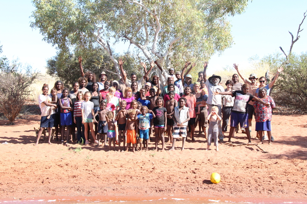Parnngurr ranger teams with the Martu school holiday program