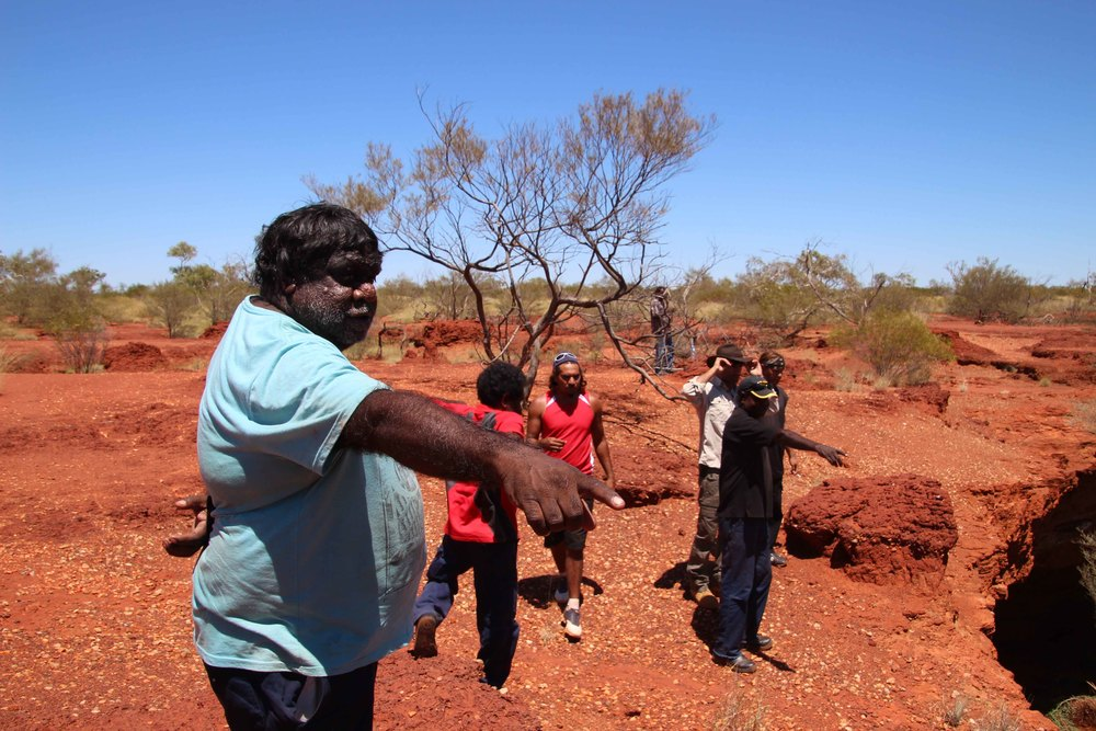 Jigalong rangers check out Mirrim-Mirrim sink hole