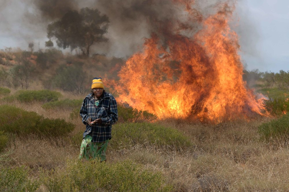 Punmu ranger, RR< looking after country with fire