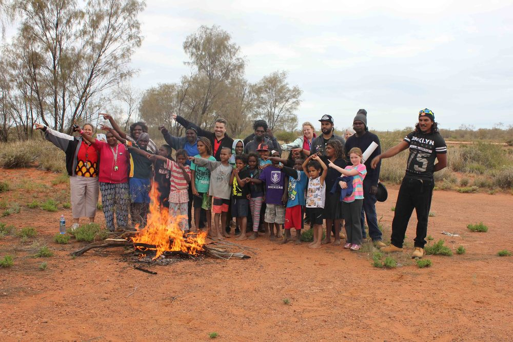 igalong students out on country with the Jigalong rangers