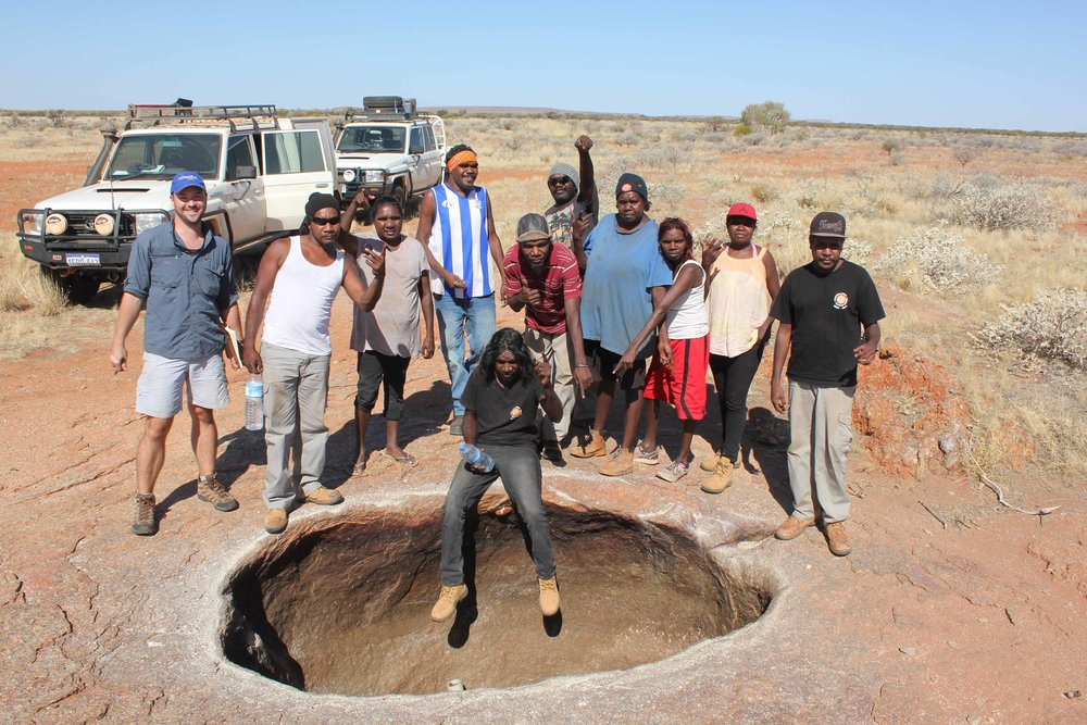 Chris O'Bryan, Kaylen Richards, Rachael Handley, Curtis Anderson, Burchell Taylor, Craig Sailor, Daniel Anderson, Noelene Oates, Judith Aspro, Renette Willalong and Hayden Richards at Jiwal Jiwal rockhole.