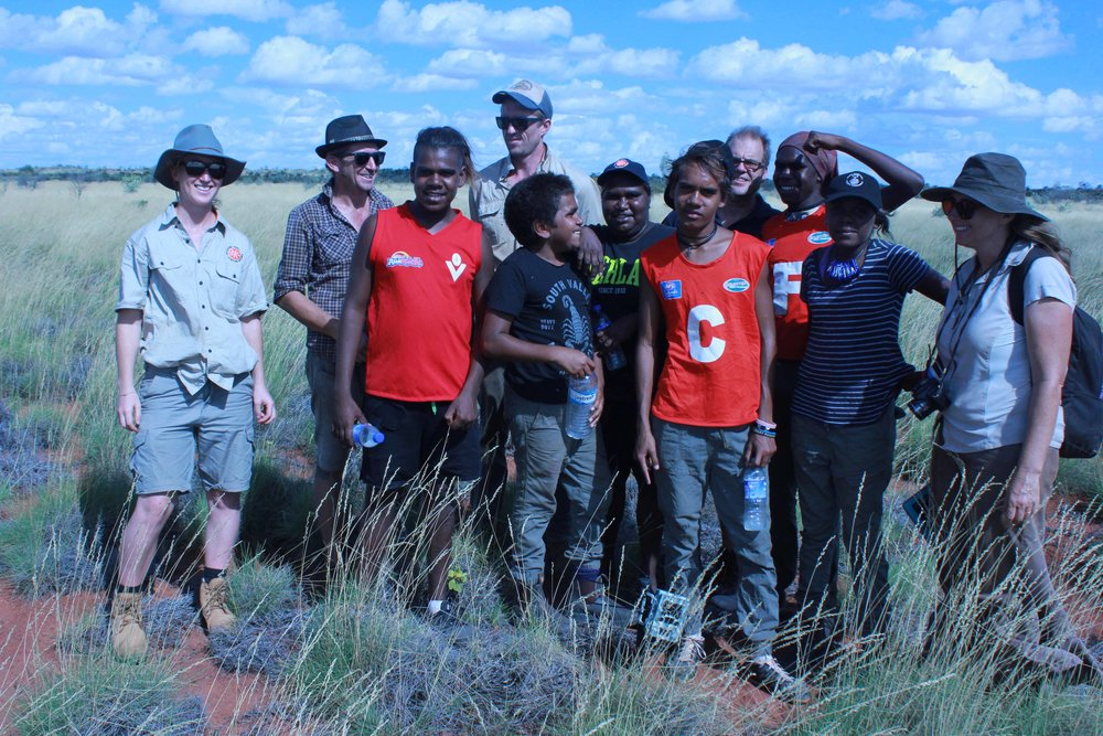 Punmu rangers and High school students with ecologist Rachel Paltridge (Desert Wildlife Services)