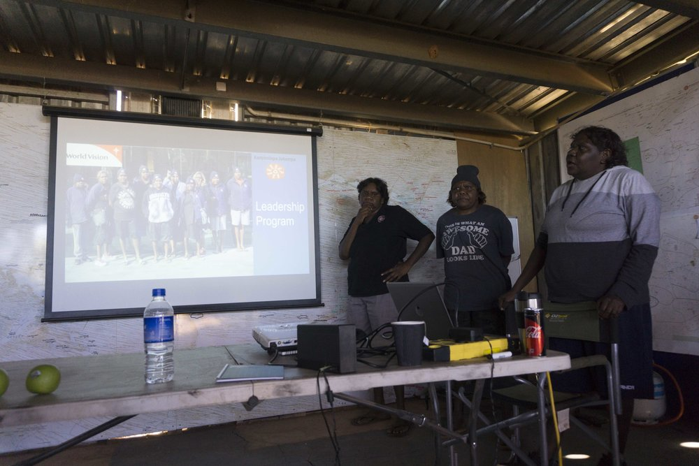 Louise Jeffries and Vivienne Landy presenting to Punmu community