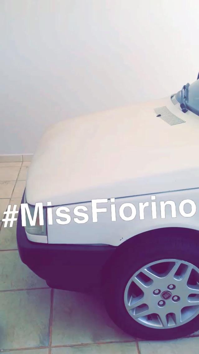 A clássica Miss Fiorino não pode deixar de ser apresentada! Nosso mimoso veículo familiar e de business. Levo meus convidados no famoso camburão. Amo!