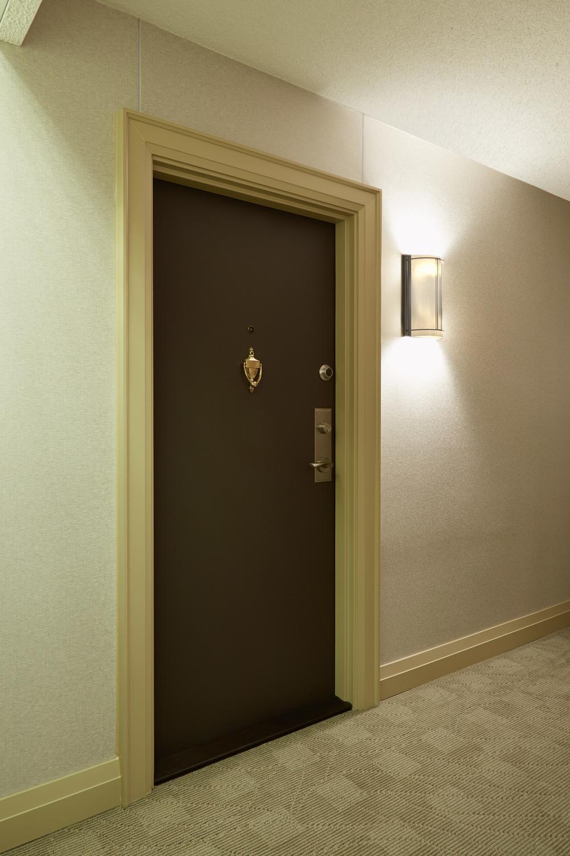 100Quebec-doublelockdoor-01-C.jpg