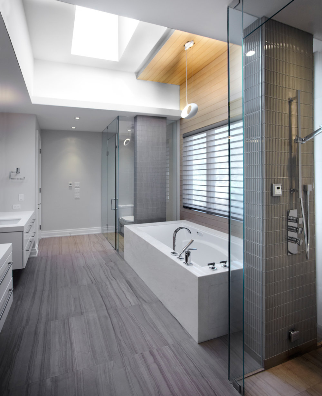1216-royaloak-bathroom copy.jpg
