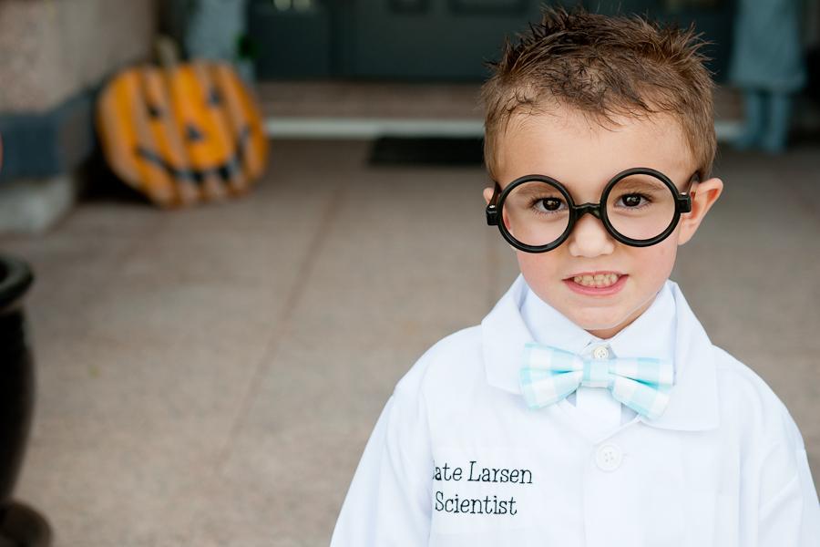 halloween scientist ==> tracy-larsen.com/blog