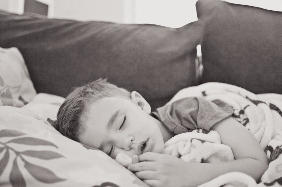 how to get more sleep -- The Creative Mama blog post by Tracy Larsen ==> tracy-larsen.com/blog
