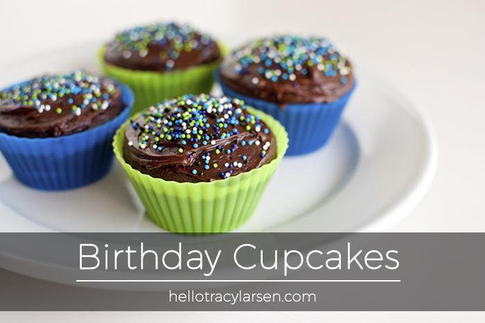 birthday cupcakes ==> hellotracylarsen.com