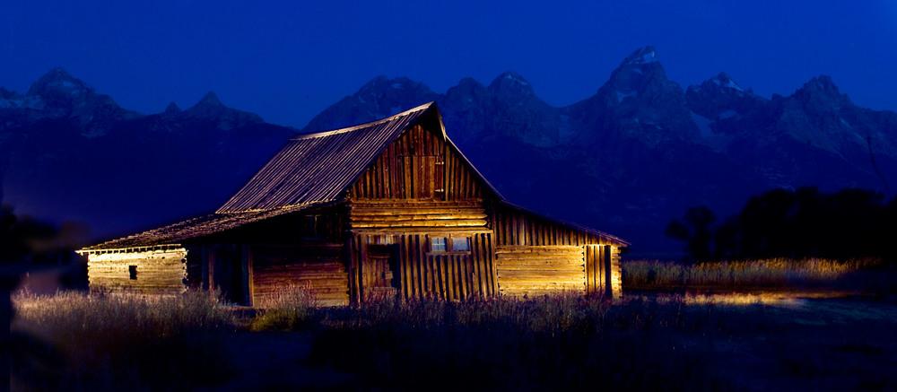 mormon Barn1601.jpg
