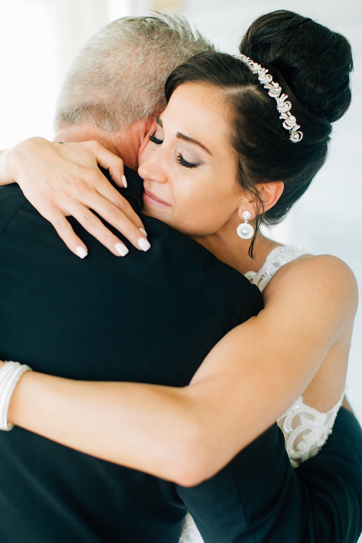 MagdalenaStudios_WeddingPhotographer_WillowCreekWinery_CarissaJoe-183.jpg