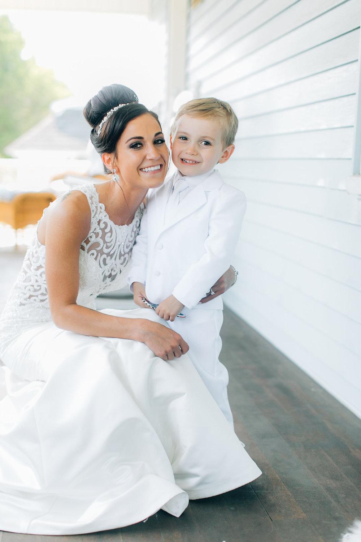 MagdalenaStudios_WeddingPhotographer_WillowCreekWinery_CarissaJoe-226.jpg
