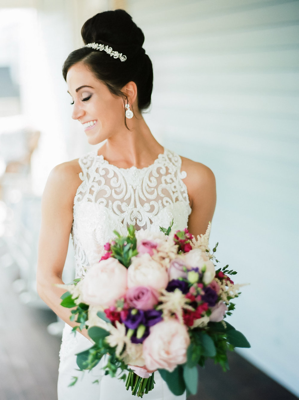 MagdalenaStudios_WeddingPhotographer_WillowCreekWinery_CarissaJoe-203.jpg
