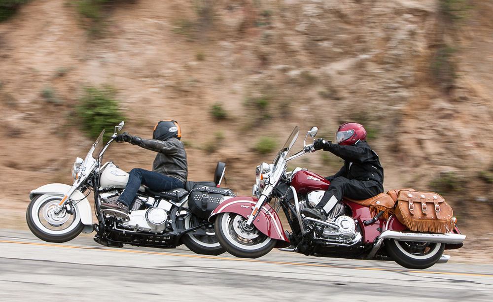 2014-leatherbagger-shootout-action-Harley-Indian-EBrasfield-7281.jpg