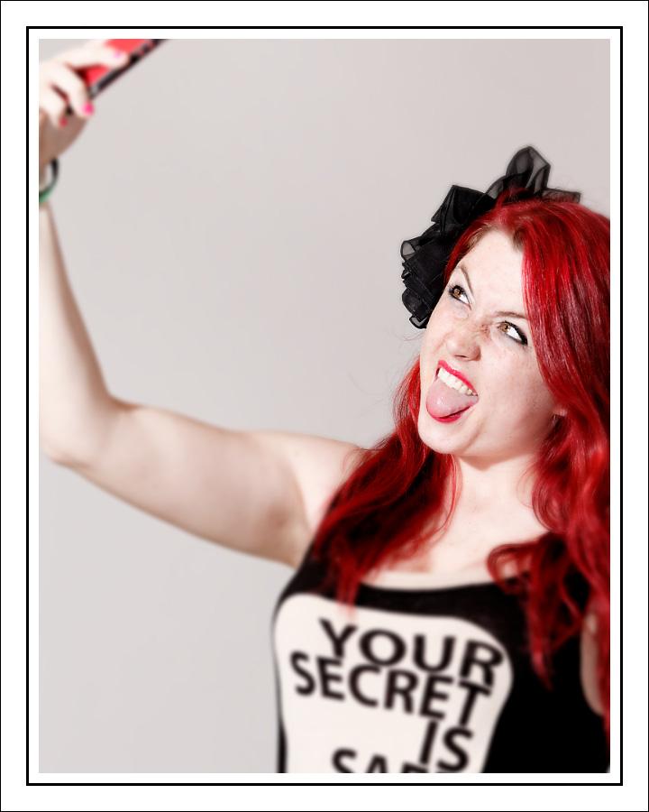 Pauline Selfie Queen