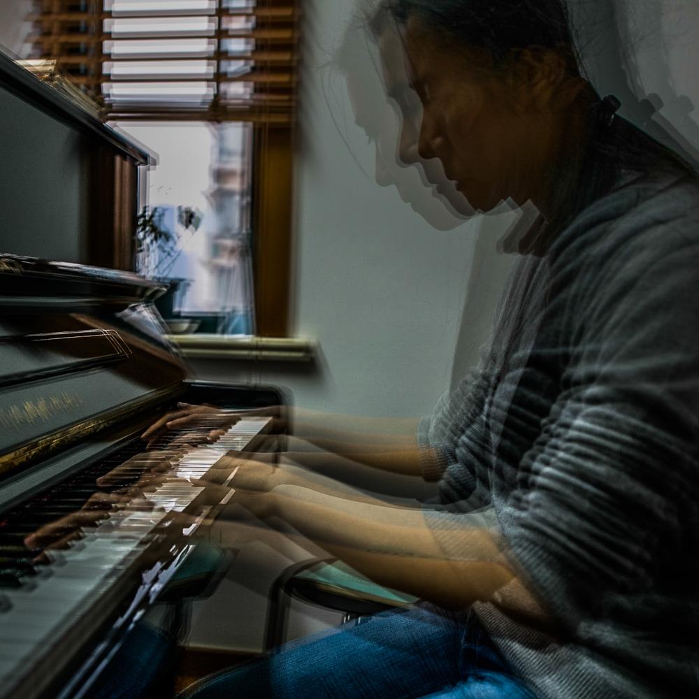 Pianist | Angela