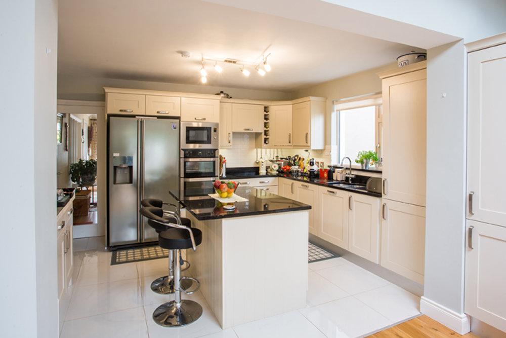 interior-design-kitchen-contemporary-house-bray.jpg
